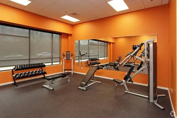 Photo High Ceilings, Urban Living Lifestyle, Short Term Lease (4800 Holdrege Street, Lincoln, NE)