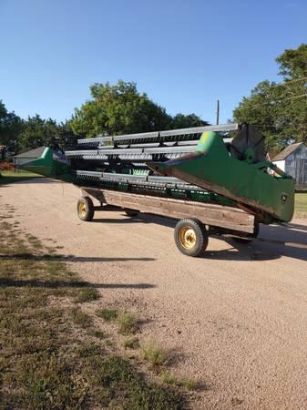 Photo John Deere 920 flex head w trailer - $1,750 (Deshler)