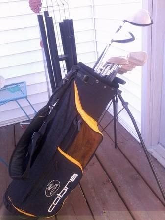 Photo KING COBRA graphite golf clubs  KING COBRA stand bag - $240 (Lincoln)