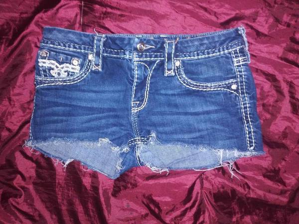 Photo Like New Women39s Rock Revival Shorts Size 29 - $45 (Lincoln)