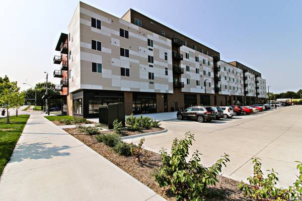 Photo Microwave, Modern Fixtures, High Speed Fiber Internet access with Allo (4800 Holdrege Street, Lincoln, NE)