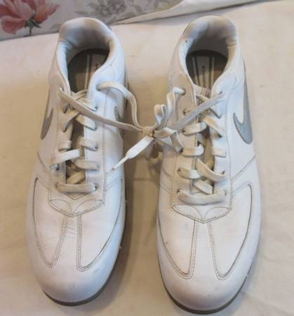 Photo Nike Womens Sport Performance Golf Shoes Sz 9.5 White - $5 (Lincoln)