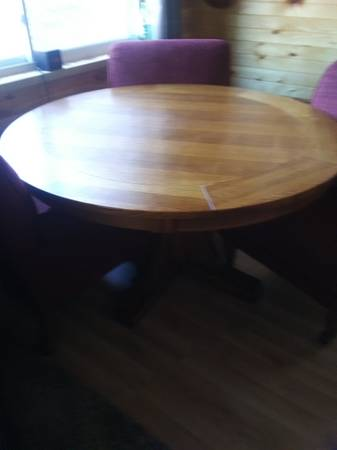 Photo Oak Poker Table or Dining WChairs - $650 (Palmyra)