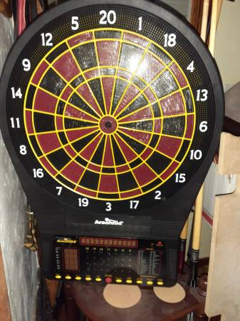 Photo Pool table,poker,darts, shuffleboard - $1250 (Lincoln)