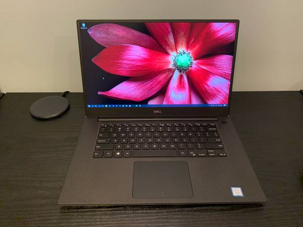 Photo Selling Dell XPS 15 (9570) Used In Good Condition - $700 (Omaha)