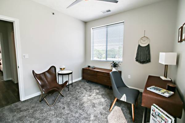 Photo Studio Available in August (4800 Holdrege Street, Lincoln, NE)