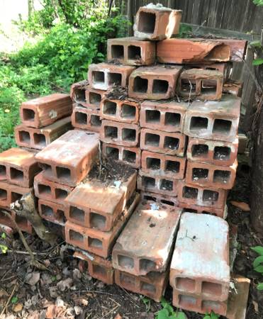 Photo Variety of Red Clay Blocks - $1 (NW Lincoln)