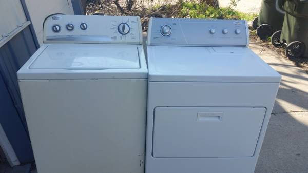 Photo Whirlpool Washer and dryer Electric - $225 (Lincoln NE)