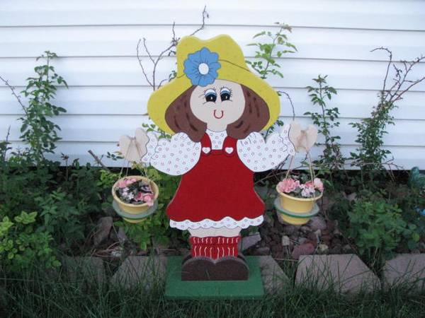 Photo Wooden Little Girl Garden or Yard Ornament - $40 (Lincoln)