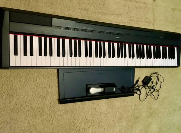 Photo YAMAHA P115 Digital Piano - $490 (lincoln)