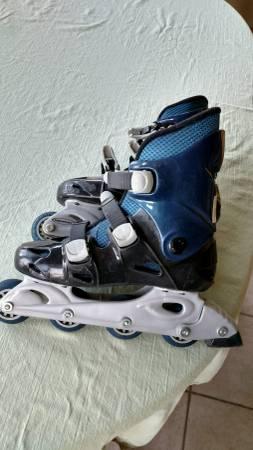 Photo roller blades - $20 (Denton)