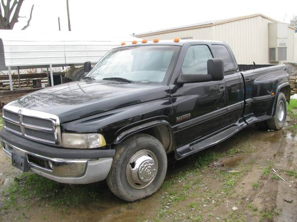 Photo 1999 DODGE RAM DUALLY - $5950 (North Little Rock)