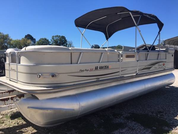 Photo 2004 Suntracker Regency 2239 Pontoon Boat with Mercury 90 - $9,499 (Hot Springs, Ar)