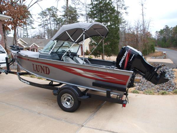 Photo 2006 Lund Deep-V Fishing Boat -REDUCED - $16,900 (HOT SPRINGS VILLAGE)