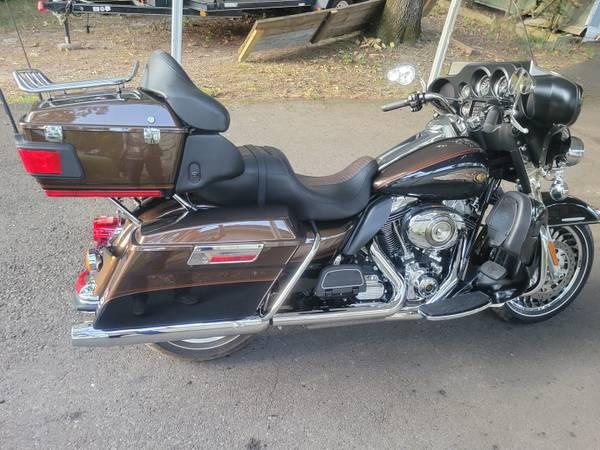 Photo 2013 Harley Davidson 132original miles, Electra Glide Anniversary - $19,000 (Hot Springs National Park)