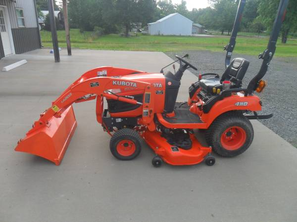 Photo 2013 Kubota BX 1870 with Front End Loader and Belly Mower - $12,000 (Conway)