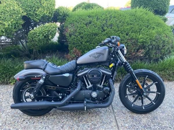 Photo 2017 Harley-Davidson XL883N Sportster Iron - $7,984 (Harley-Davidson XL883N Sportster Iron)
