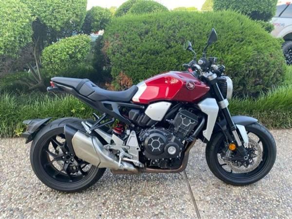 Photo 2019 Honda CB1000R - $9,994 (Honda CB1000R)