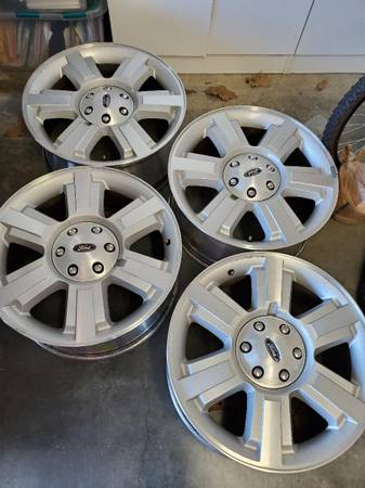 Photo 20quot Ford F150 FX4 wheels - $250 (Maumelle)