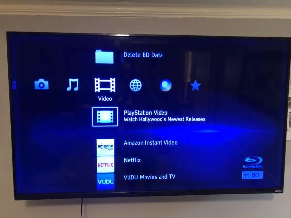 Photo 58 Vizio 4K Smart TV - $150 (Conway)