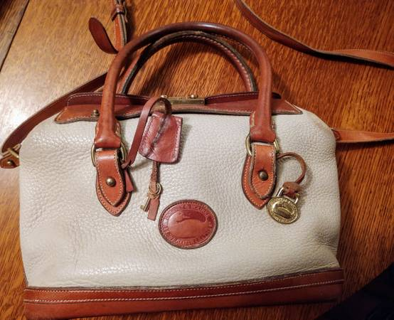 Photo Authentic Dooney and Bourke Doctors Satchel - $100