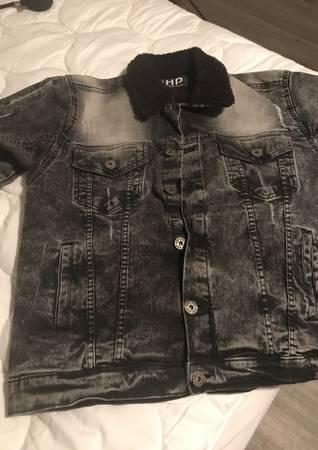 Photo Blue jean jacket - $30 (Little Rock)
