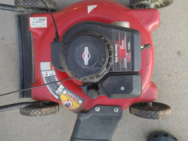 Photo Briggs and Stratton Lawn mower - $60 (Sherwood)