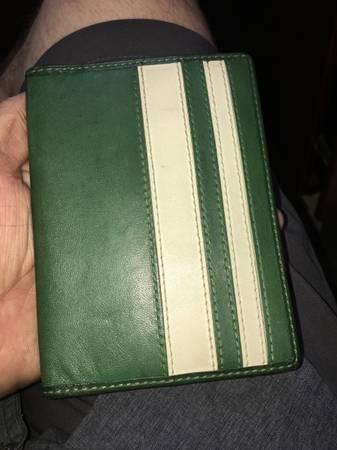Photo Coach Varsity Mens wallet  passport 100 authentic - $25 (Searcy)