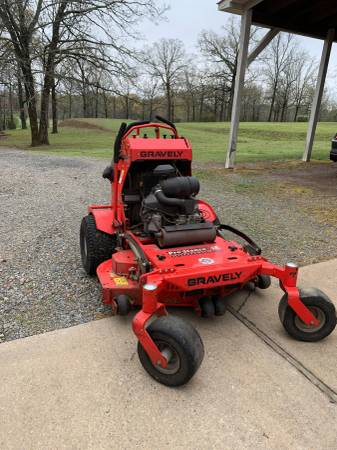 Photo Commercial Mower - $4,100 (Cabot)