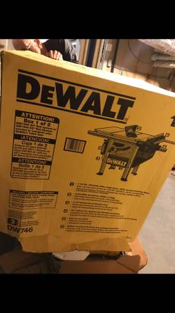 Photo Dewalt DW746 Table Saw - $1,000 (Little Rock)