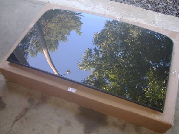 Photo F150 Vista roof front glass 2016-19 - $300 (Greenbrier)