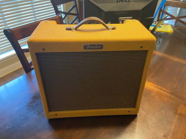 Photo Fender Blues Jr. Amp - $400 (White Hall)