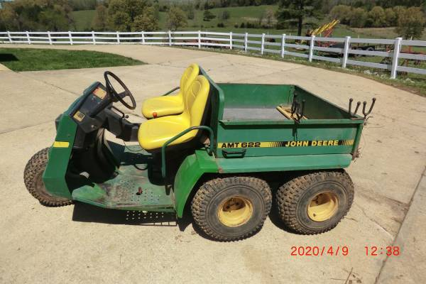 Photo JOHN DEERE AMT622 GATOR - $1200 (Mount Pleasant)