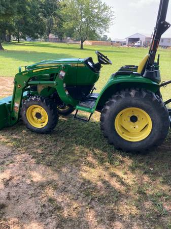 Photo John Deere tractor - $16,950 (Friendship Ar)
