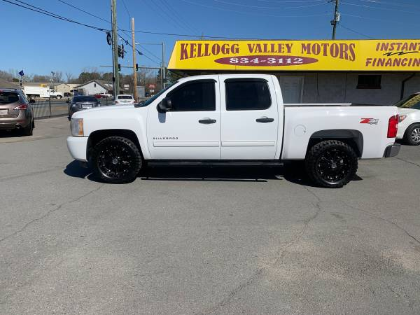 Photo KVM 10 CHEV Z71 4X4 4-DR 124kBLACK XD RIMS SHARP (KELLOGG VALLEY MOTORS)