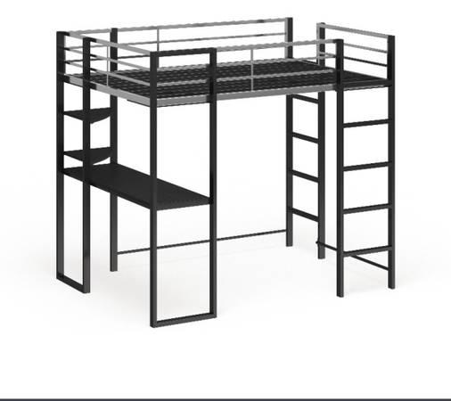 Photo Loft bed with work station with twin mattress - $500 (Stuttgart)
