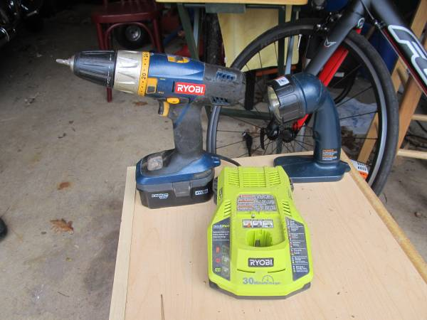 Photo Ryobi 18v drill, light, charger, battery - $65 (Hot Springs Village)