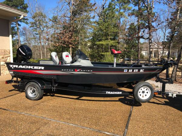 Photo Tracker Bass Boat - $8500 (Hot Springs)