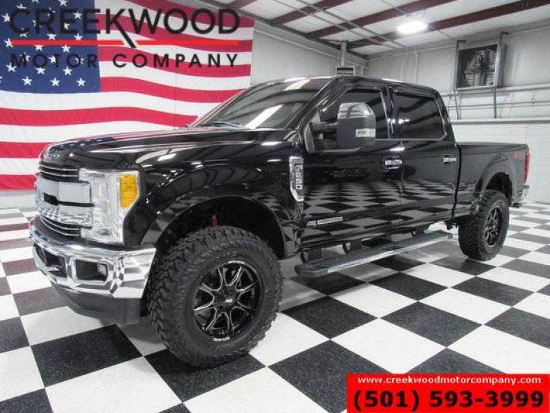Photo Used 2017 Ford F250 4x4 Crew Cab Super Duty for sale