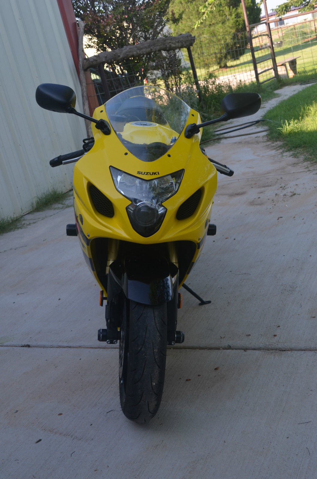 Photo 2004 Suzuki GSX-R 600 $259565.6565.65