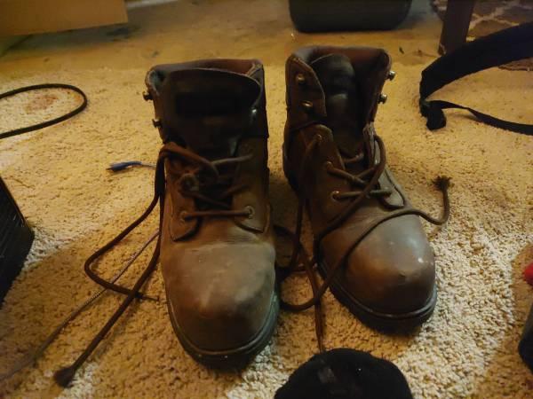 Photo wolverine 639 steelbtoe work boots - $75 (Hot Springs National Park)