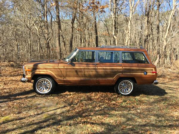 Photo 1986 Jeep Grand Wagoneer - $35000 (East Patchogue)