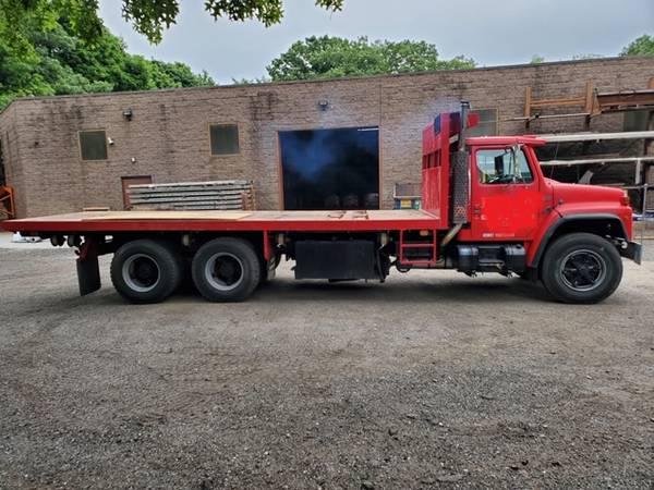 Photo 1987 International Dump Truck - $18,000 (Nesconset)