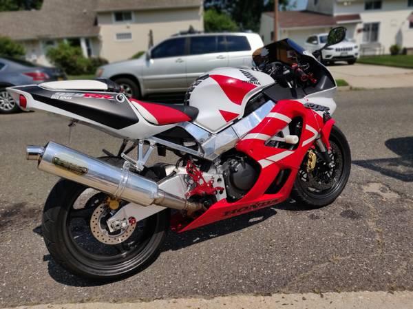 Photo 2001 Honda CBR 929RR FireBlade - $4,300 (Levittown)