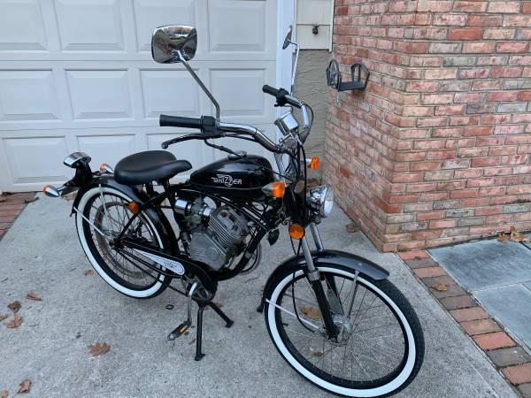 Photo 2005 Whizzer Schwinn motorbike - $1359 (Northport)