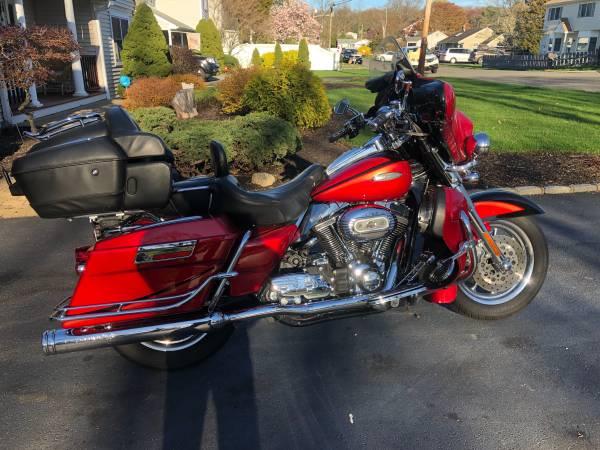 Photo 2007 Harley Davidson CVO screaming eagle ultra classic - $13,000 (East Northport)