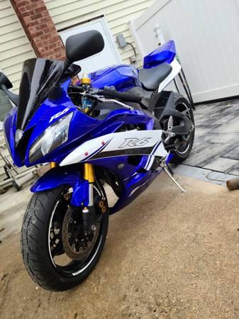 Photo 2007 yamaha yzf-r6 blue mint  Yamaha r6 ready to ride - $5,500 (Brentwood)