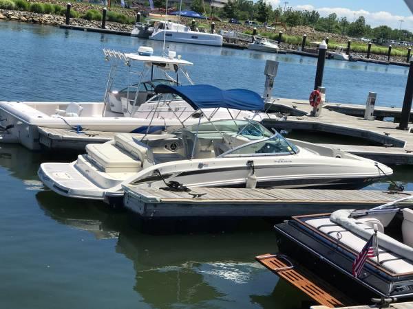 Photo 2009 24 Sea Ray bow rider - $35,000 (Huntington NY)