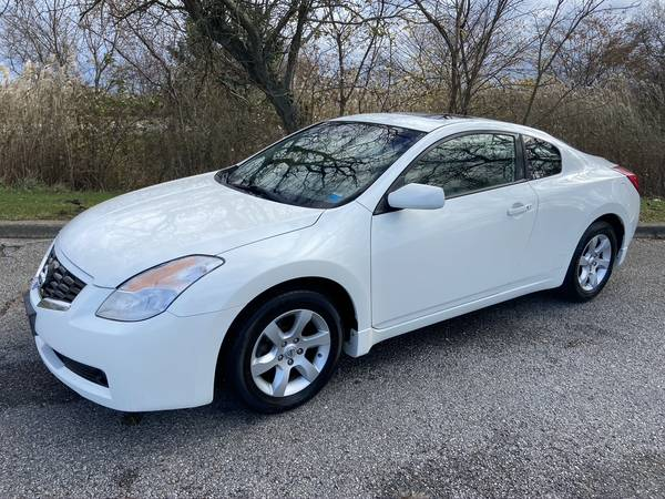 Photo 2009 NISSAN ALTIMA 2DR COUPE LOADED LEATHER ROOF 145K IMMAC - $4,999 (DMV ON SITE...DRIVE HOME TODAY COPIAGUE NY)