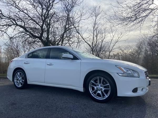 Photo 2011 NISSAN MAXIMA LOADED LEATHER ROOF WHITE BEAUTY ONLY 120K - $7,999 (DMV ON SITE...DRIVE HOME TODAY COPIAGUE NY)
